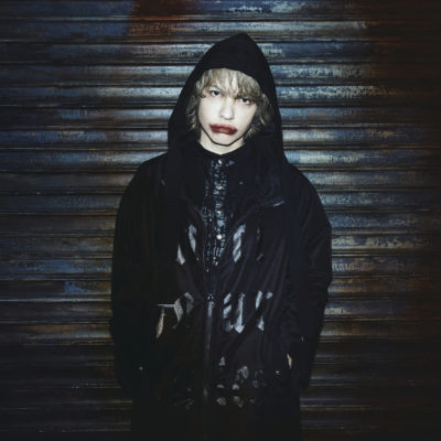 HYDE、シングル収録曲「INTERPLAY」が「パチスロ 真・北斗無双」テーマソングに決定 スペシャルムービー公開も